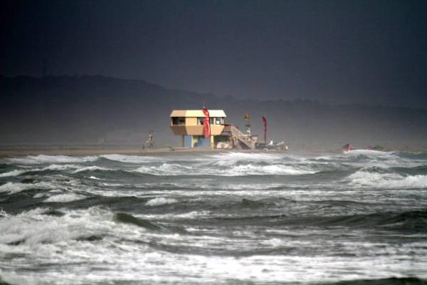Conditions un peu hard le 2eme jour, 1m50 de vague, 6.3/90L - Photo: Christian Laubaney
