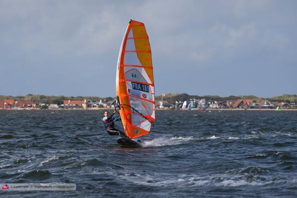 hs16_sl_marine_cruising